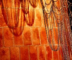 Chains (AlessandroDM) Tags: casamilà barcellona gaudi chain antonigaudi catalogna catalunya
