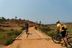 DSC05682_DxO_Bildgröße ändern (Jan Dunzweiler) Tags: madagaskar jandunzweiler africanbikers fahrradreise radreise brücke pont bridge