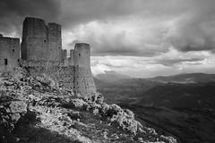 Castle (emi.) Tags: blackandwhite bw italy monochrome architecture landscape ruins outdoor dp1quattro