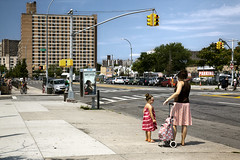 Mother and Daughter - Coney Island, Brooklyn, New York, USA 2015 (Yoann Fitoussi) Tags: street nyc urban usa newyork color brooklyn canon coneyisland eos us cityscape daughter mother rue couleur urbain ef241054lis 5dmarkii 5dmark2