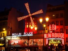Moulin Rouge (Toni Kaarttinen) Tags: people paris france mill windmill sign club night moulin rouge lights evening frankreich neon dancing frana montmartre cancan frankrijk cabaret moulinrouge prizs francia iledefrance parijs parisian pars  parigi frankrike pigalle redmill  pary   francja ranska pariisi  franciaorszg  francio parizo  frana