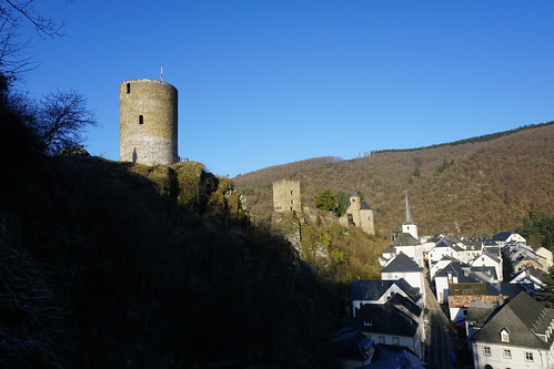 Esch-sur-sure Watch tower and castle 5-12-16