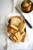 Formaggio pecorino calabrese con pere e crakers di farro  e formaggio (Patrizia Miceli - Via delle rose) Tags: food still life photography calabria cibocalabrese pecorino pere formaggioepere frutta