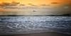 (020/17) La orilla del mar (Pablo Arias) Tags: pabloarias photoshop nxd cielo nubes españa agua mar ola paisaje costa isla levante playa benidorm alicante comunidadvalenciana