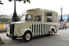 DSL844 Morris Commercial Ice Cream van (Ian Press Photography) Tags: london south bank dsl844 morris commercial ice cream van seller ices