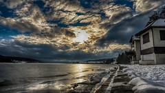 Après-midi au Paradis (Fred&rique) Tags: lumixfz1000 photoshop cameraraw saintpoint lac gelé ciel nuages neige hiver soleil paysage nature