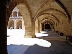 RODI - (Grecia) (cannuccia) Tags: landscape ombre grecia portici paesaggi rodi archi 100commentgroup