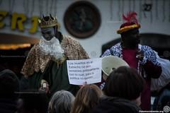 2017_01_05_Acció manteros día de reyes_AntonioLitov(04) (Fotomovimiento) Tags: fotomovimiento solidaritatmantera araiaquí sindicatopopulardevendedoresambulantes barcelona catalunya catalonia cataluña manifestación manifestació lasramblas reyesmagos racismo