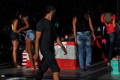 Faceless (Otacílio Rodrigues) Tags: pessoas people loja sapataria shoestore urban streetphoto candid resende brasil oro homem man mulheres women