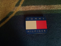 cadeau HILFIGER. (Gilbert-Noël Sfeir Mont-Liban) Tags: tommyhilfiger cadeau present box boîte intime intimo intimate rouge red blanc white bleu blue