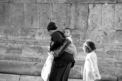 _Naples Photo Marathon (marziabertelli) Tags: napoli naples photo foto marathon maratona pic pictures scatto heros eroe baby childs mum mamma bwn nero black white bianco centro antico storico historico italy sud campania regione nikon street streetphotography strada porta nolana d750