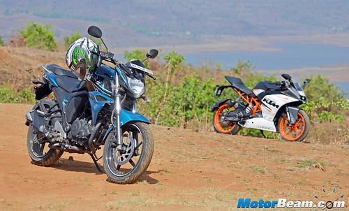 2015-Yamaha-FZ-V2-Long-Term-13