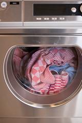 Wasmachine . . . (willem_huwae) Tags: canon centrum limburg wasmachine kleur knoppen nummers nuth 50d activiteiten willemhuwae vaatdoeken
