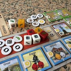 Nations The Dice Game - เวอร์ชั่นเล่นง่ายและง่ายต่อการพกพาของ Nations เกมสร้างอารยธรรมที่ชอบที่สุด เวอร์ชั่นนี้เล่นง่ายสมชื่อ ลดเวลาเล่นต่อคนจาก 40 นาที เหลือ 15 นาที ฉะนั้นถ้าเล่นสองคนครึ่งชั่วโมงก็จบได้ ย่อยกลไกเกมใหญ่ลงมาเป็นการทอยเต๋าเอาทรัพยากรเพื่อป
