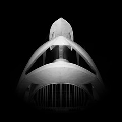 Aliens - dormant... (Giles McGarry (formerly kantryla)) Tags: aliens valencia spain architecture modernarchitecture santiagocalatrava square mono blackandwhite