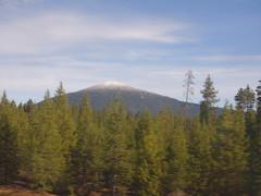 201610201 Cascade Range and Pengra Pass rail route (taigatrommelchen) Tags: 20161042 usa or oregon crescent mountains cascaderange sky clouds railway railroad onboard