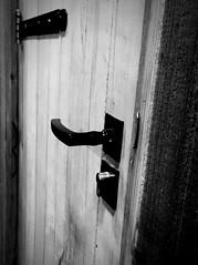 Door Wood - Material Front Door Close-up Door Handle Closed Door Indoors  No People Doorknob Day Closeupshot Textures And Surfaces (markjowen66) Tags: door woodmaterial frontdoor closeup doorhandle closeddoor indoors nopeople doorknob day closeupshot texturesandsurfaces