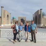 Meine Reisegruppe am Registan, Samarkand