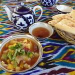Mittagessen auf usbekisch
