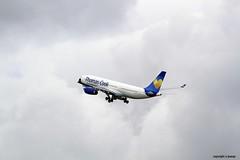 _MG_0487 Thomas Cook Scandinavia DY-VKF (M0JRA) Tags: manchester flying airport thomas aircraft jets cook planes scandinavia dyvkf