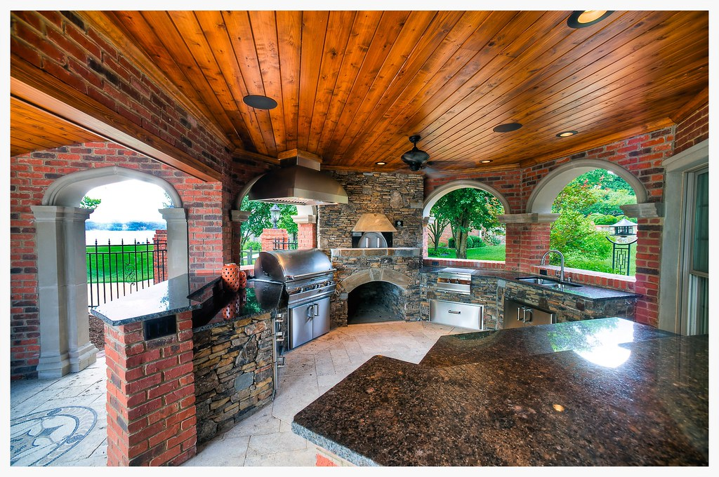 Custom Fire Magic Outdoor Kitchen, Harrison, TN