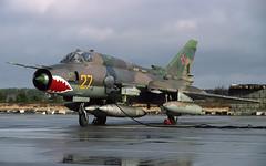 SU-17 27 TEMPLIN 050494 CLOFTING CLEAN-2 (Chris Lofting) Tags: sukhoi su17 fitter templin grossdollin 27 russianairforce 16thairarmy eastgermany