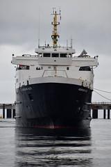 MV Hebridean Isles Mooring at Brodick Pier (Russardo) Tags: cal mac calmac caledonian macbrayne ferry mv clyde scotland