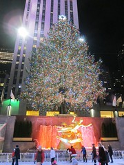 Rockefeller Center Christmas Tree (Joe Shlabotnik) Tags: iceskating december2016 skating manhattan rockefellercenter statue prometheus 2016 newyorkcity christmastree nyc fountain 60225mm