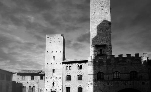 "Torres legendarias / Faros, minaretes, campanarios, rascacielos • <a style=""font-size:0.8em;"" href=""http://www.flickr.com/photos/30735181@N00/32493403806/"" target=""_blank"">View on Flickr</a>"