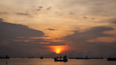 Sunrise (elenaleong) Tags: marinabarrage seaside sunrise elenaleong silhouettes vessels ships