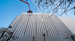 under the crane (Fer Gonzalez 2.8) Tags: street sky color building high workers crane leicadlux4