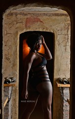 morena-at-the-crypth (Mike Mercau) Tags: color fashion de mujer chica maria curves lisa sensual negra morena fotografo fashon neuquèn mikemercau afrocolombiana