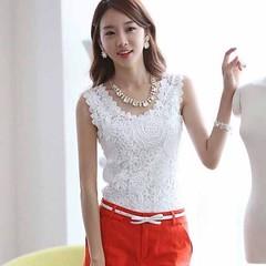 เสื้อลูกไม้ แฟชั่นเกาหลีแขนกุดเข้ารูปหรูสวย นำเข้า ไซส์XL สีขาว -พร้อมส่งBM2563 ราคา1100บาท เสื้อลูกไม้ออกงาน เป็นเสื้อแขนกุดแฟชั่นเกาหลีน่ารักแบบเสื้อลูกไม้ด้านหน้าแบบสวยเข้ารูป เนื้อผ้าผสมชีฟองสวมใส่สบาย จะใส่ไปออกงาน หรือไปงานแต่งงานเก๋มาก ใส่กับกางเกง