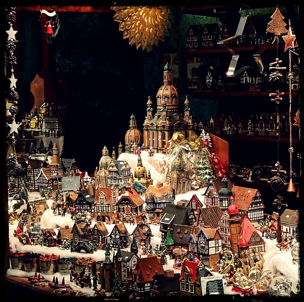 the world 39 s best photos of striezelmarkt and weihnachten. Black Bedroom Furniture Sets. Home Design Ideas