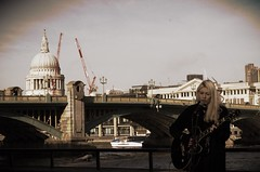 Londres (FGuillou) Tags: londres london chant féerie noel merry christmas panorama song girls 伦敦