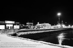 Heilig Abend in Reykjavik (Agentur snapshot-photography) Tags: 011400 011600 012200 abend abenddämmerung abendlich abendlicht abends anlegestelle architecture architektur aussen aussenansicht aussenaufnahme bauwerke blackwhite bw christmaseve dämmerungsaufnahme effekt einsam einsamkeit evening hafen häfen hafengelände harbour heiligabend iceland island jahreszeiten landscape landschaft landschaften landschaftsaufnahme meer nacht nachtaufnahme nachts night port reykjavik schiff schiffahrt schiffe schifffahrt schwarzweiss sehenswürdigkeiten ship sights sightseeing stadt stadtansichten städte stadtlandschaft stimmung sw symbolbild symbolfoto symbolfotos tageszeit tourism tourismus urbanlandscape weihnachten weihnachtsabend winter wintertime winterzeit isl