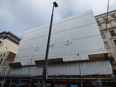 The Lewis Building - Bull Street, Birmingham (ell brown) Tags: birmingham westmidlands unitedkingdom greatbritain bullst bullstbirmingham constructionsite buildingsite theminories lewiss thelewisbuilding willmottdixon scaffolding lamppost