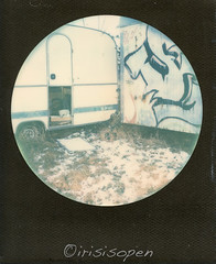 Camping # 007 # Polaroid SX70-Mod2 folding Impossible SX70 Color round frame exp15 - 2017 (irisisopen ☼f/8☀︎∑≦light) Tags: polaroid sx70 mod2 folding land camera round black frame analogcolor farbe irisisopen