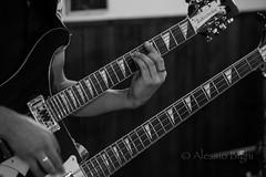 doppio manico (Brighella77) Tags: live concerto yamaha pacifica vanwagner 12corde corrierastravagante