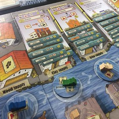 Le Havre - เกมแข่งกันเป็นพ่อค้าเดินเรือในเมืองท่าฝรั่งเศส ใครมั่งคั่งที่สุดตอนจบเกมชนะ นับจากเงินสดและมูลค่าตึกและเรือของเราทั้งหมด สนุกมากเพราะตึกโดยเฉพาะ special building ทั้งหลายเล่นแต่ละเกมจะออกมาไม่ซ้ำเดิม ทำให้ไม่มีกลยุทธ์เดียวที่ใช้ได้ทุกเกม ต้องพล