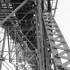 Aos Ps da Ponte #1 (andreikrepsky) Tags: brazil brasil florianopolis santacatarina hercilioluz pontehercilioluz d5100