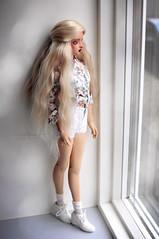 Welcome home Emmi! (Calfuraay) Tags: doll dolls bjd bjds bjdphotography photography balljointeddoll balljointeddolls little monica littlemonica sophia brown skin tan mako eyes makoeyes blonde model