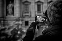 Fontana di Trevi (EXPLORED) (savolio70) Tags: fontanaditrevi savolio stefanoavolio roma rome biancoenero bianconero monocromo blackwhite blackandwhite photo mobile cellulare scattarefoto takingpictures tourists turisti