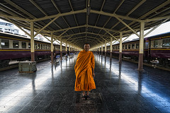 bangkok (Roberto.Trombetta) Tags: asia thailand bangkok chinatown man monk buddhism old zeiss carl batis225 sonyalpha sony7rii religion train station hua lamphong hualamphong portrait robe symmetry transport commuter passenger thai barefoot shoeless cigarette pose sony mirrorless