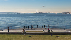 Battery Park (..Javier Parigini) Tags: usa unitedstates estadosunidos newyork newyorkcity manhattan nyc nuevayork xmasspirit xmas navidad espíritunavideño christmas christmasspirit batterypark estatuadelalibertad statueofliberty nikon nikkor d800 f28 flickr javierparigini 2470mm