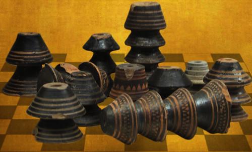 "Petteia - Ludus Latrunculorum  / Iconografía de las civilizaciones helenolatinas • <a style=""font-size:0.8em;"" href=""http://www.flickr.com/photos/30735181@N00/32522194045/"" target=""_blank"">View on Flickr</a>"