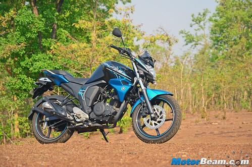 2015-Yamaha-FZ-V2-Long-Term-03