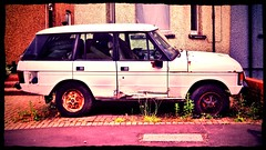 A Rover no longer Ranging. (35mmMan) Tags: neglected rusty rover british aviary suv effect scrap range rangerover derelict android bl snapseed samsungkzoom