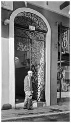 San Francisco 253 (JOSEAN GOMEZ) Tags: textures texturas texture viejosanjuan blackwhite blancoynegro analogue arquitectura streetphotography silverefexpro2 sombras sidewalk d76 fotografiacallejera fotocallejera gente hats kodakfilm kodakd76 kodaktrix lightroom 35mm epsonperfectionv500scanner thefilmgroup trix
