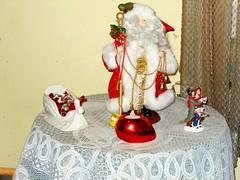 Christmas table decorations. (Maenette1) Tags: christmas table decorations santa sled singers menominee uppermichigan nikoncoolpixl22camera flicker365